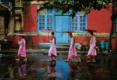Museum für Gestaltung – In Conversation with Steve McCurry – Procession of Nuns