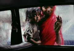 Museum für Gestaltung – In Conversation with Steve McCurry – Mother and Child