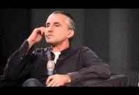 MMK Talks – Kostas Murkudis im Gespräch mit Julia Voss
