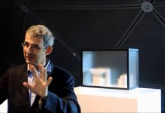 "Edmund de Waal ""Kneaded Knowledge"" – Interview 