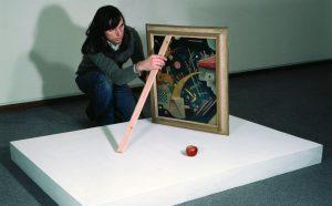 Braco Dimitrijevic installiert Triptychos Post Historicus mit Kandinsky