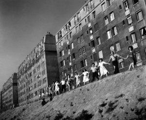 Robert Doisneau Les 20 ans de Josette, 1947 © Atelier Robert Doisneau, 2016