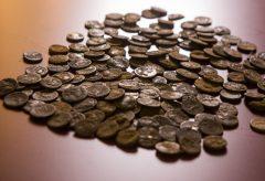 Archäologen entdecken in Kalkriese mehr als 200 Silbermünzen