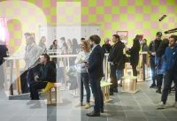 """""""die Presse"""" Talk in der Ausstellung """"Franz West – ARTISTCLUB"""" im 21er Haus, Wien."""