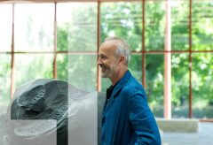 Trailer: Erwin Wurm – Performative Skulpturen